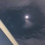 流れる雲、お月さま
